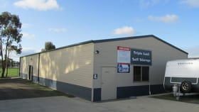 Showrooms / Bulky Goods commercial property for lease at East Bendigo VIC 3550
