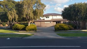 Medical / Consulting commercial property sold at 81 Blackburn Road Mount Waverley VIC 3149