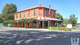 Showrooms / Bulky Goods commercial property for sale at 8 Albert Road Beechworth VIC 3747