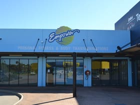 Showrooms / Bulky Goods commercial property for lease at 1-3 Woodman Avenue Hyde Park QLD 4812