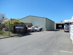 Factory, Warehouse & Industrial commercial property for lease at 2/65 Chisholm Crescent Kewdale WA 6105
