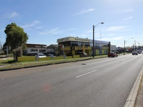 Showrooms / Bulky Goods commercial property for lease at 92 Woodfield Boulevarde Caringbah NSW 2229