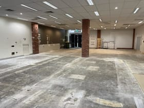 Showrooms / Bulky Goods commercial property for lease at Shop 21/314 Childs Road Mill Park VIC 3082