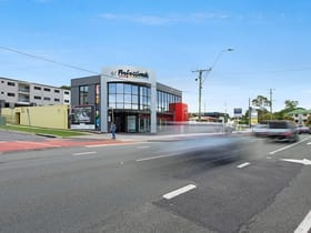 Showrooms / Bulky Goods commercial property for lease at 544 South Pine Road Everton Park QLD 4053