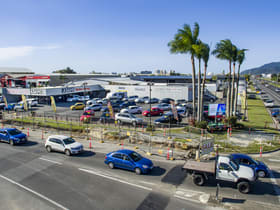 Showrooms / Bulky Goods commercial property for lease at 52 Comport Portsmith QLD 4870