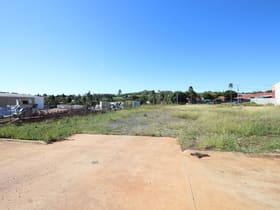 Showrooms / Bulky Goods commercial property for sale at 9 Freighter Avenue Wilsonton QLD 4350