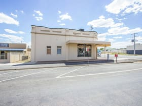 Showrooms / Bulky Goods commercial property for sale at 42-44 East Street Narrandera NSW 2700