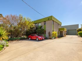 Industrial / Warehouse commercial property for sale at 47 Gordon Avenue Queanbeyan West NSW 2620