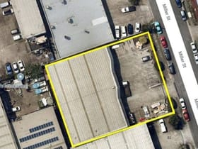 Showrooms / Bulky Goods commercial property for sale at 5 Miller  Street Slacks Creek QLD 4127