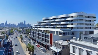 207-208 / 120 Bay Street, Port Melbourne VIC 3207