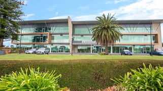2 Queensgate Drive Canning Vale WA 6155
