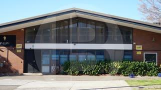 8 STRAITS AVENUNE South Granville NSW 2142