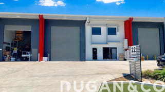 2/22 Hugo Place Mansfield QLD 4122