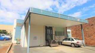 4 Hall Lane Toowoomba City QLD 4350