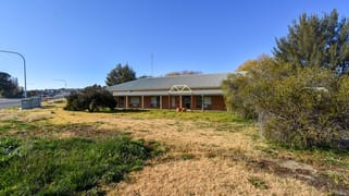 2 Littlebourne Street Bathurst NSW 2795