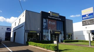 2A/95 Ashmore Rd Bundall QLD 4217