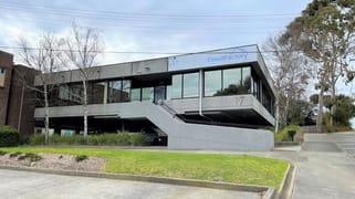 17 LEICESTER AVENUE Glen Waverley VIC 3150