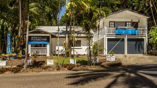 19 Veivers Road, Palm Cove QLD 4879