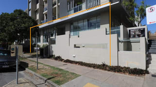 21 Sunshine Parade Miami QLD 4220