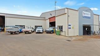 8 Freighter Avenue Wilsonton QLD 4350
