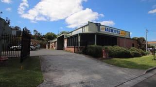 2/33 Waverley Drive Unanderra NSW 2526