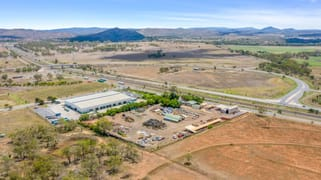 WHOLE OF PROPERTY/227 Somerset Road Gracemere QLD 4702