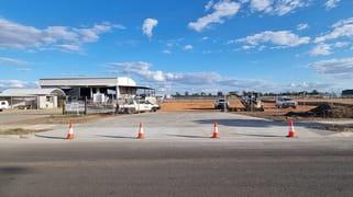 11 Wills Road Emerald QLD 4720
