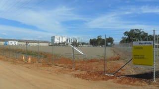 1 Monier Road Parkhurst QLD 4702