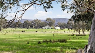121 Deep Creek  Road Chiltern VIC 3683