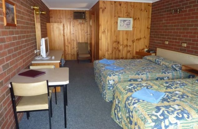 Motel business for sale in Peak Hill - Image 3