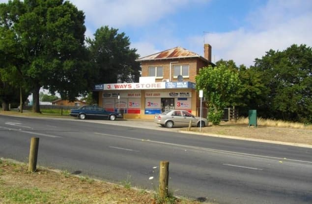 Retail business for sale in Drouin - Image 1