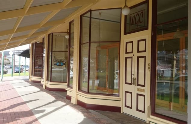 Retail business for sale in Echuca - Image 1