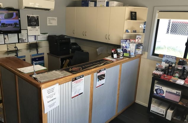 Automotive & Marine business for sale in Emerald - Image 2