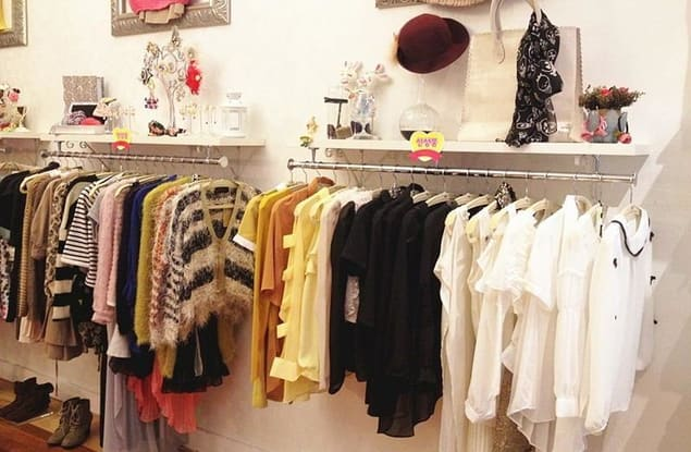 Clothing & Accessories business for sale in Frankston - Image 1