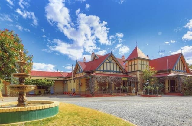 Accommodation & Tourism business for sale in Broken Hill - Image 1