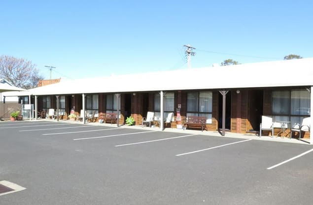 Motel business for sale in Forbes - Image 1