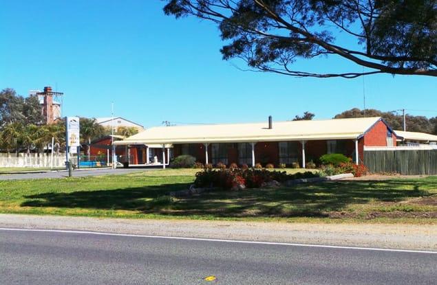 Motel business for sale in Warracknabeal - Image 1