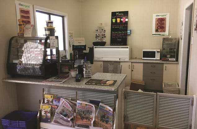 Retail business for sale in Eulo - Image 2