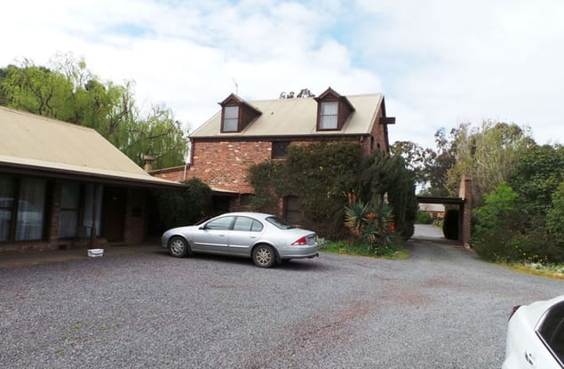 Motel business for sale in Horsham - Image 1
