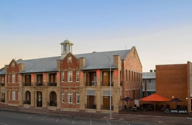 Motel business for sale in Rockhampton City - Image 1