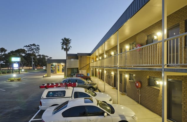 Motel business for sale in Sale - Image 2