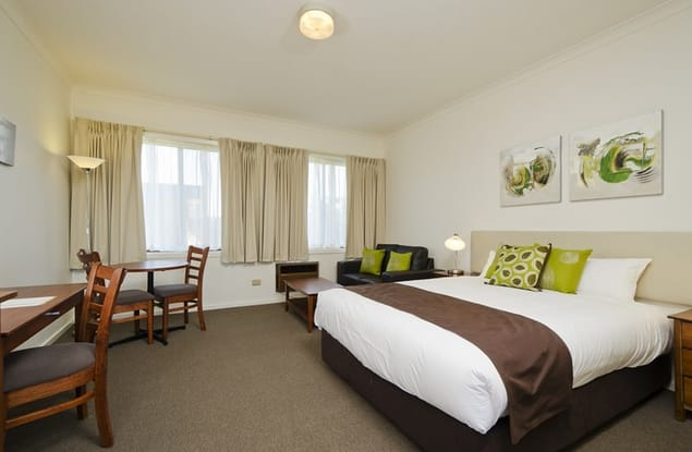 Motel business for sale in Sale - Image 3
