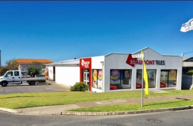Retail business for sale in Victor Harbor - Image 1