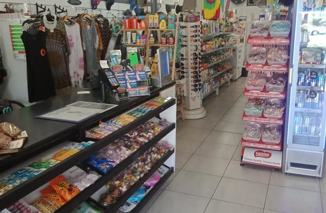 Retail business for sale in Coolangatta - Image 2