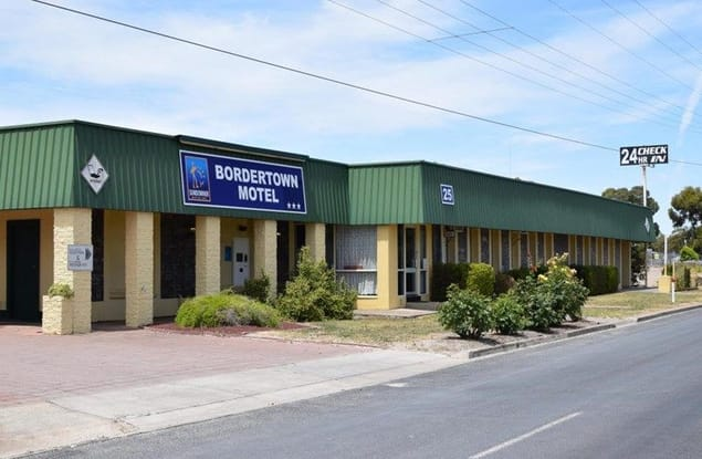 Motel business for sale in Bordertown - Image 1