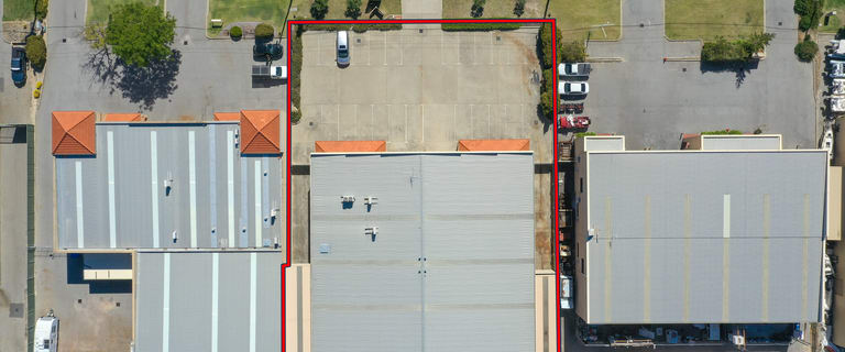 Factory, Warehouse & Industrial commercial property for lease at 17 Emplacement Crescent Hamilton Hill WA 6163