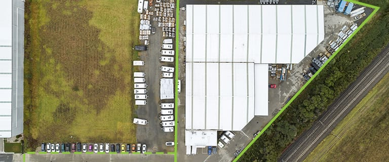 Factory, Warehouse & Industrial commercial property for lease at B/13 Sharnet Circuit Pakenham VIC 3810