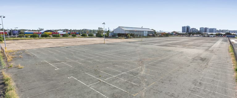 Showrooms / Bulky Goods commercial property for lease at 222 Macarthur Avenue Hamilton QLD 4007