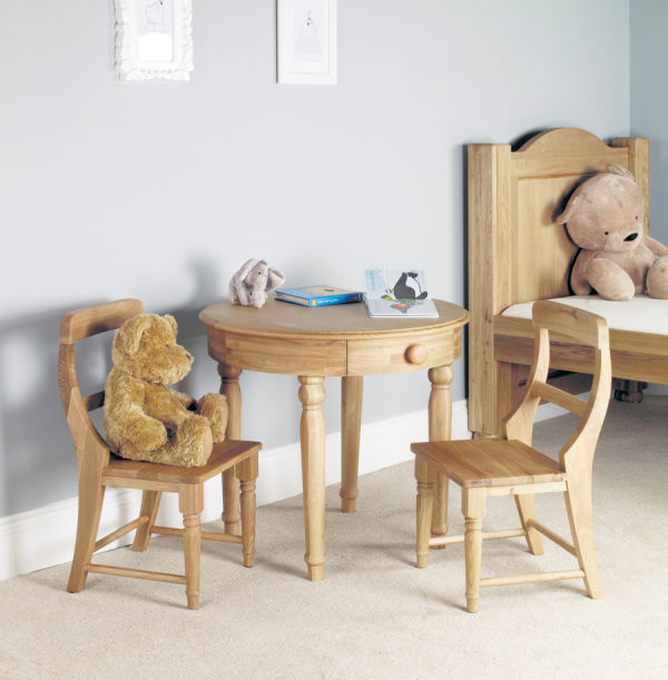 Amelie Oak Play Table and two Chairs