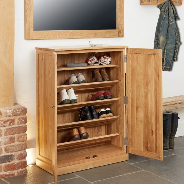 Mobel Oak Large Shoe Cabinet